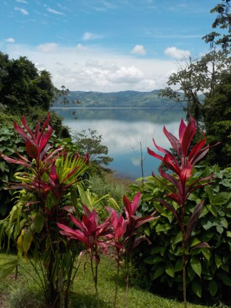 Gulf of Papagayo, Kostaryka: Lunch view of Lake Arenal