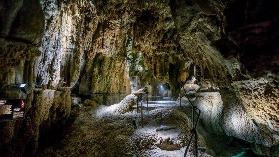 Baar, Suisse: Höllgrotten Caves
