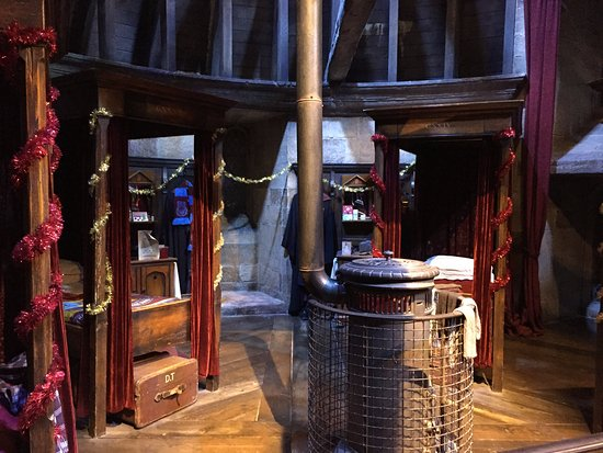 Studio Tour London   The Making Of Harry Potter: Gryffindor Dorms Part 86