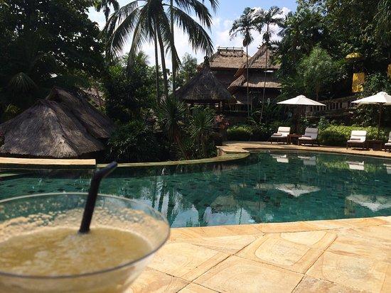 Warwick Ibah Luxury Villas & Spa: Mango daiquiri and an amazing pool