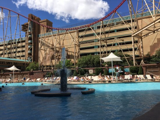 Relaxing Day At The Nyny Pool Picture Of New York New York Hotel And Casino Las Vegas