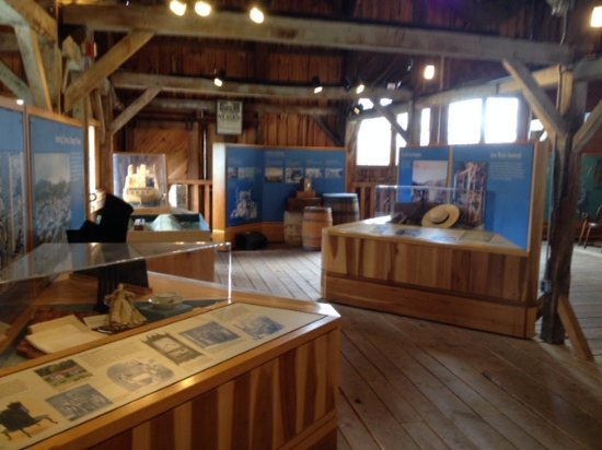 Uxbridge, MA: River Bend Farm Museum