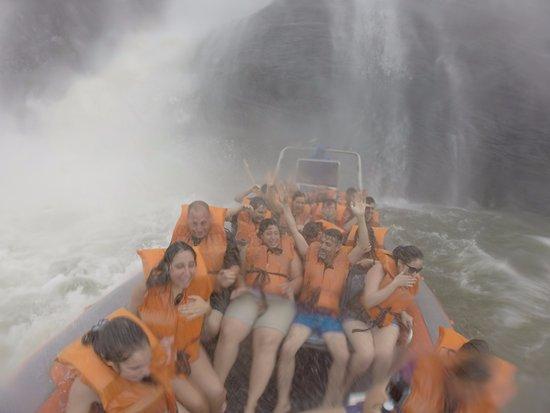 Macuco Safari: Llegando a uno de los saltos
