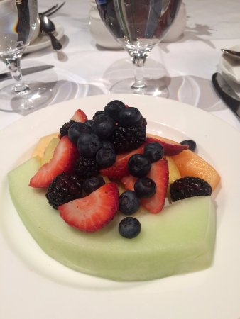 Kohler, WI: Beautiful platter of fresh fruit