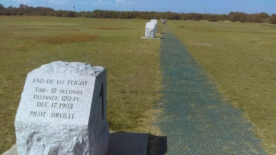 Wright Brothers National Memorial: marker boulders where flights landed