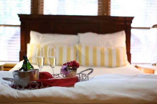 Shaver Lake, CA: Add more romance to your stay  with champagne & chocolates on arrival.