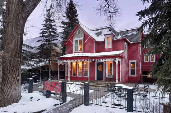 Little Red Ski Haus : Exterior