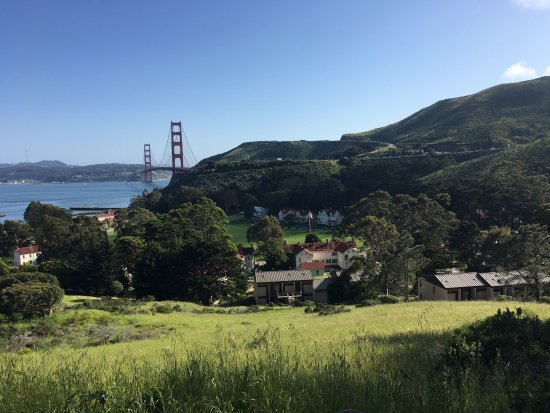 Cavallo Point: A view of the resort...nestled in with a great view of the city.