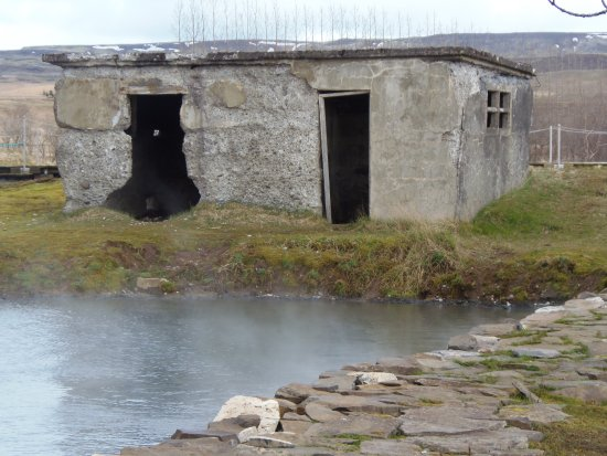 Flúdir, Island: The old changing room.  Newer and more modern facilities have been added.  LOL!!