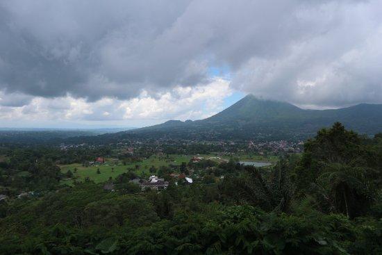 Tomohon, Indonesia: Manado City View
