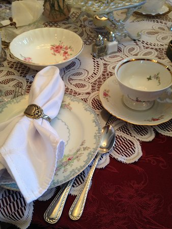 Weston, WI: Tea place setting