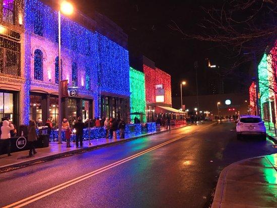 Toledo, OH : Hensville in December