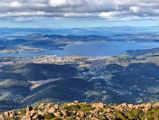 View over Hobart from Mount Wellington (April 2017)