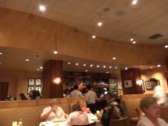 Alan Wong's Restaurant: The restaurant