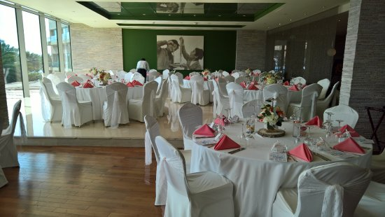 L\'Olivo Restaurant wedding tables setup - Picture of Rixos The Palm ...