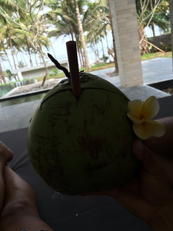 Pekutatan, Indonesia: Fresh coconut all day long!! Maybe add some rum
