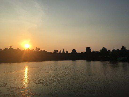 Angkor Wat Day Tour: photo2.jpg