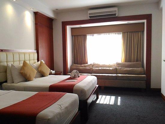 Lewis Grand Hotel Image