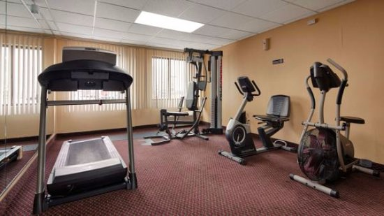 South Plainfield, NJ: Exercise facility, 24-hour