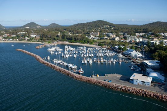 Nelson Bay, Australia: Start at the Marina for great bike hire