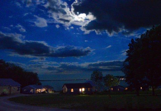 Μπέλφαστ, Μέιν: Wonderview at midnight