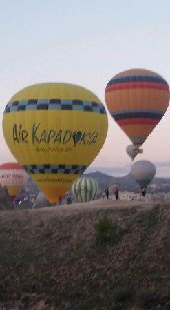 Kapadokya Balloons: Colourful balloons above Rose Valley