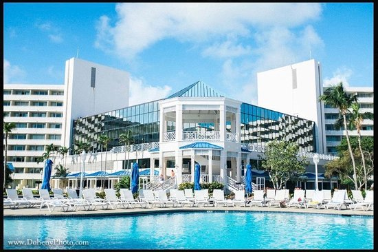 the resort and the pool picture of melia nassau beach. Black Bedroom Furniture Sets. Home Design Ideas