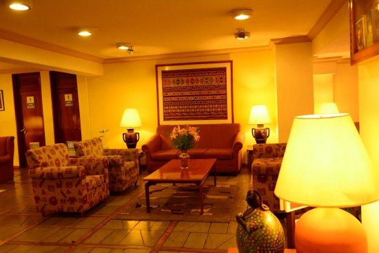 Hotel Gloria La Paz: ロビーはとてもきれいでした