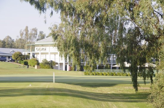 Mulwala, Austrália: From the course to accommodation