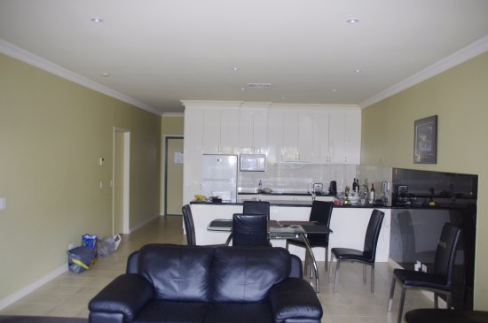 Mulwala, Australia: Kitchen Lounge area Grevillia rooms