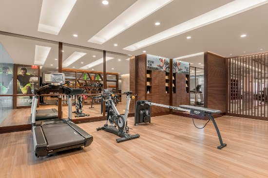 Edsa Shangri-La: Health Club Triathlon Training Zone