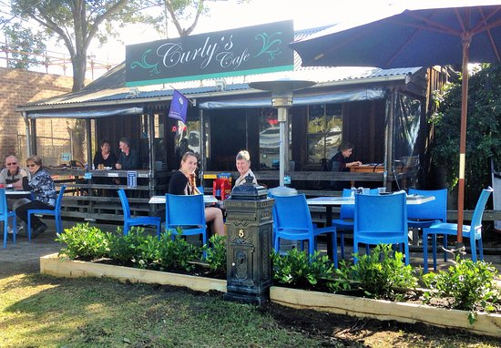 Catch up at Curly's Cafe Wauchope