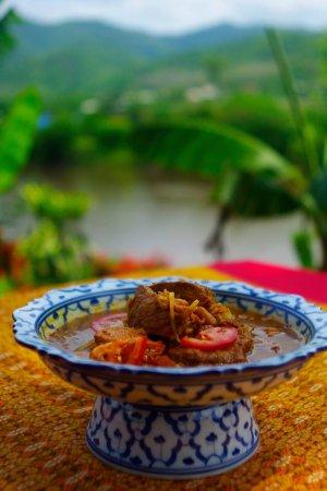 Mae Ai, Thailand: Ресторан семейной куни