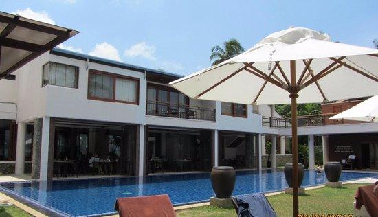 Cloud19 Beach Retreat: Lainapa restaurant & Suite types