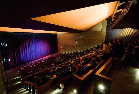 นาวัน, ไอร์แลนด์: Auditorium