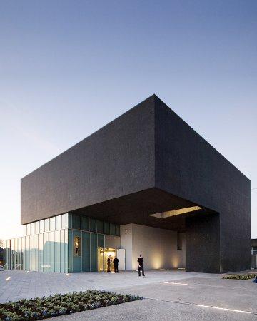 นาวัน, ไอร์แลนด์: Solstice Arts Centre