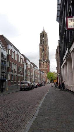 Catedral (Domkerk) y Torre de la Catedral (Domtoren): IMG_20170424_185053_large.jpg