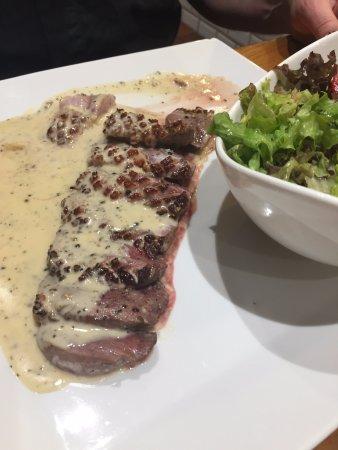 La Louviere, Bélgica: magret de canard sauce poivre vert flambé cognac