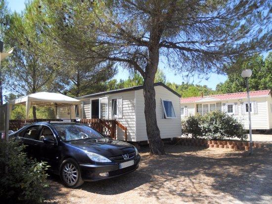 Saint-Martin-de-Bromes, Frankrijk: emplacements mobil-home
