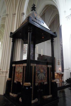 Tongerlo, Belgique : Inside the church