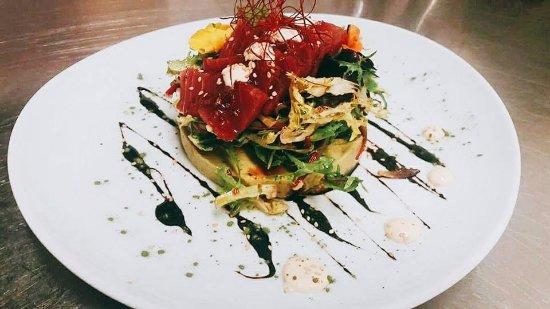 1907 Restaurant & Cafè: Tuna salad
