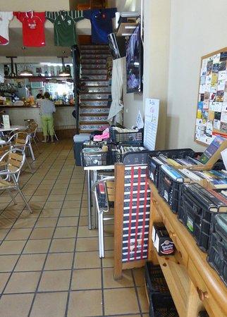 Jalon, Ισπανία: Bar med böcker