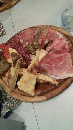 Marsciano, Italy: un antipasto molto gustoso