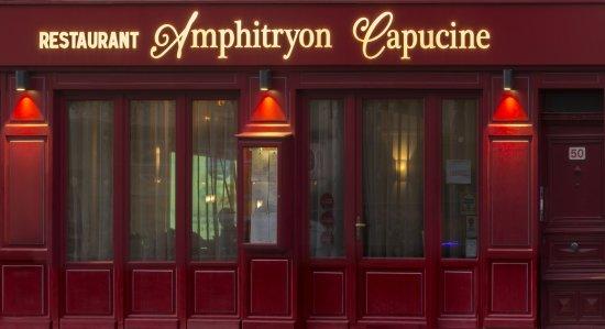Amphitryon Capucine Photo