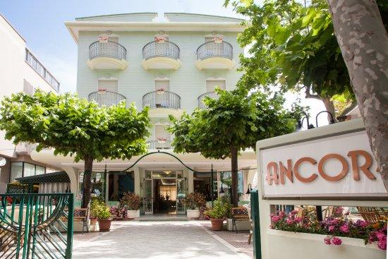 Hotel Ancora Photo