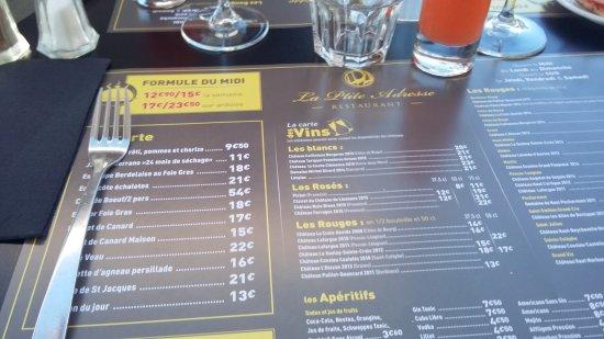 Ambares-et-Lagrave, France: La Ptite Adresse