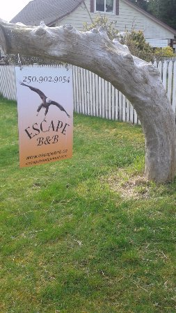 Port Hardy, Canada: sign on the front yard