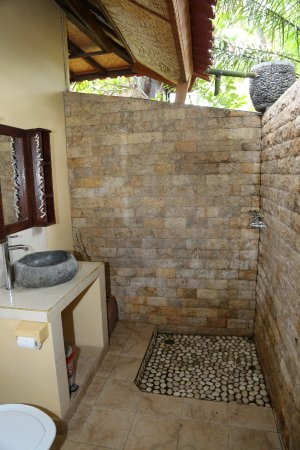Gerokgak, Endonezya: Bungalow Bathroom