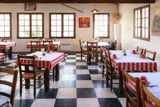 Mas des Lys: La sala colazione. Colazione ottima e abbondante.