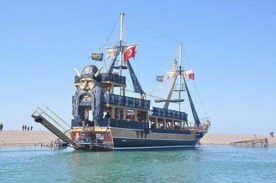 Magic Valley Travel: Pirate Boat Trip Side, Turkey